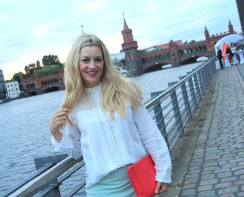 mbfwb-laceblouse-and-pencilskirt