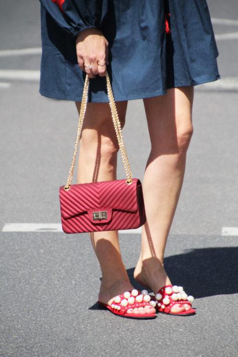 Sandalen, Handtasche